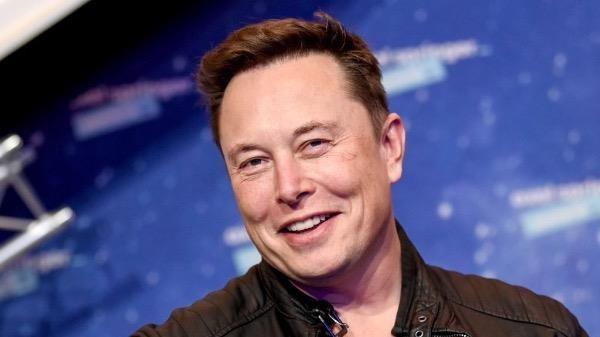 """Elon Musk – doanh nhân nổi tiếng, người được mệnh danh là """"Iron Man đời thực"""" giới công nghệ."""
