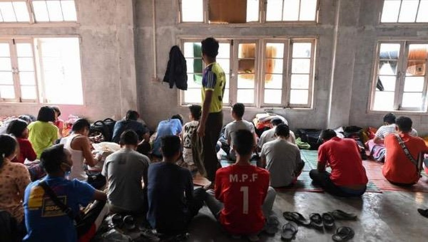 Hơn 400 cảnh sát, lính cứu hỏa ở Myanmar vượt biên sang Ấn Độ