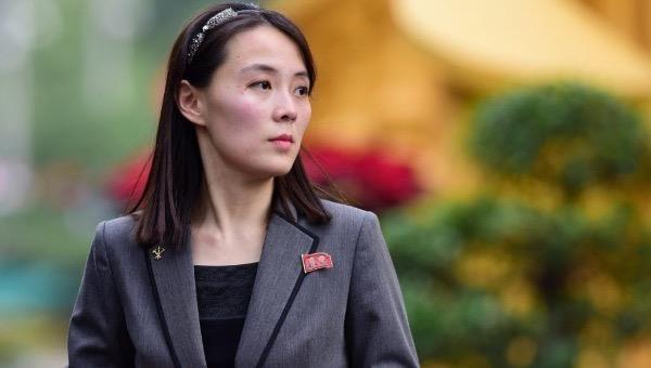 """Em gái Chủ tịch Triều Tiên cảnh báo Mỹ đừng """"gây mùi khó chịu"""""""