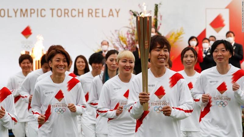 Bắt đầu lễ rước đuốc Olympic Tokyo 2020