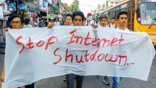 Myanmar cấm truyền hình vệ tinh