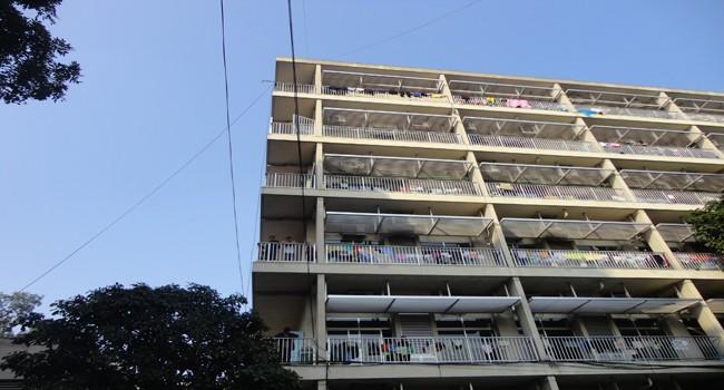 Tòa nhà điều trị thuộc khoa Hô Hấp, nơi bệnh nhân nhảy xuống tự tử.