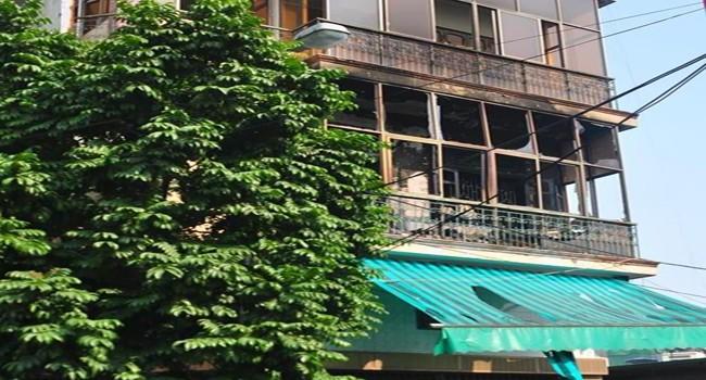 Cháy nhà 4 tầng, 1 người bại liệt tử vong