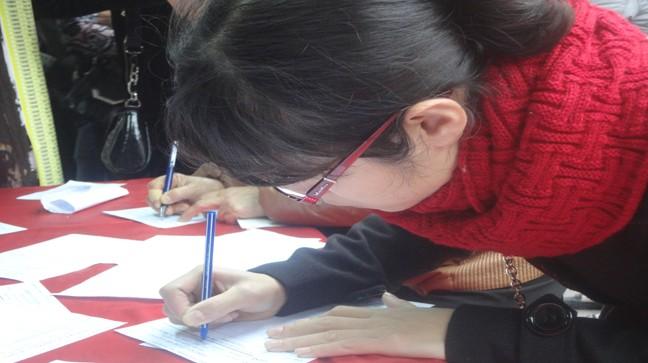 Tấp nập về chùa Phúc Khánh đăng ký cầu an, giải hạn