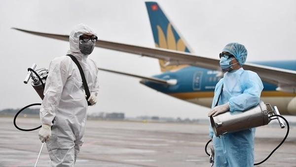 Thông báo khẩn: Tìm hành khách trên 5 chuyến bay có bệnh nhân nhiễm COVID-19