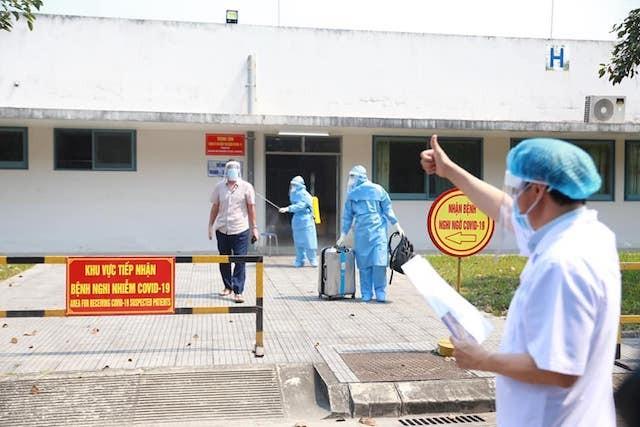 Tin vui: Thêm 4 bệnh nhân chiến thắng Covid - 19 ra viện