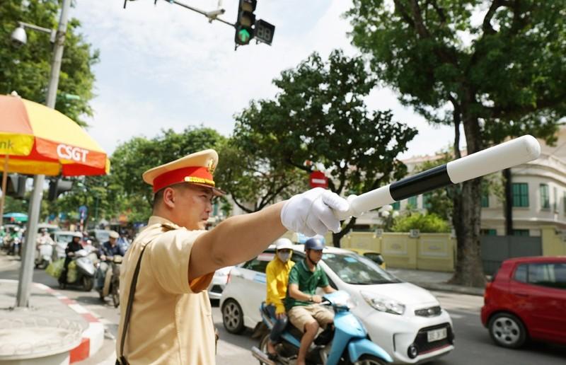 Hà Nội: Lập 30 chốt kiểm soát tại các cửa ngõ ra vào Thủ đô ngay trong đêm