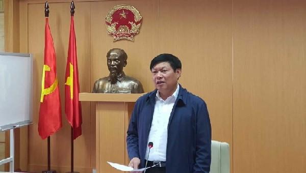 Thứ trưởng Bộ Y tế Đỗ Xuân Tuyên phát biểu tại cuộc họp