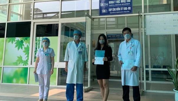 Bệnh nhân được công bố khỏi bệnh tại Bệnh viện Đà Nẵng ngày 6/4/2020.