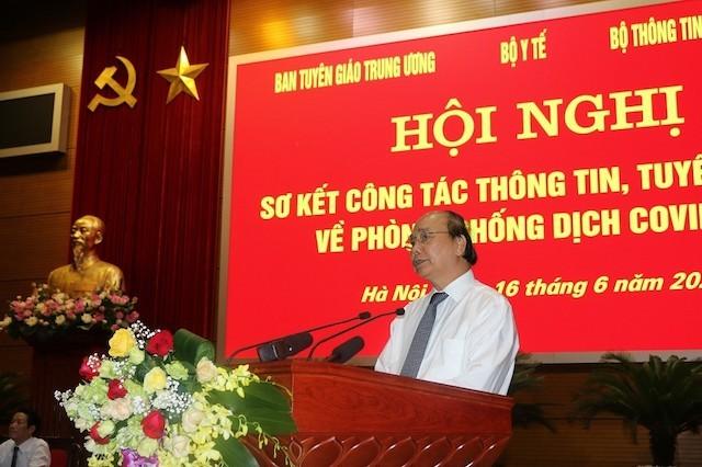 Thủ tướng Chính Phủ Nguyễn Xuân Phúc tại Hội nghị sơ kết công tác thông tin, tuyên truyền về phòng, chống dịch bệnh Covid-19.