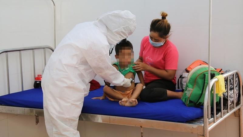 Bệnh nhân Y K. đang điều trị tại TTYT huyện Cư M'gar. Ảnh: STY tỉnh Đắk Lắk