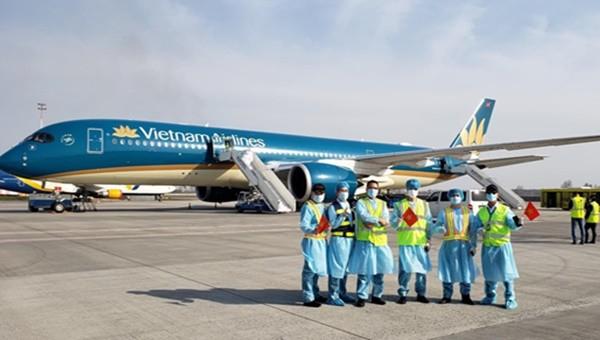Vietnam Airlines tạm dừng các chuyến bay đến và đi từ Đà Nẵng