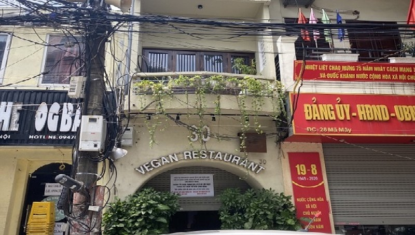"""Nhà hàng Minh Chay (30 Mã Mây) đã dừng tiếp khách sau sự cố pate chứa """"chất độc""""."""