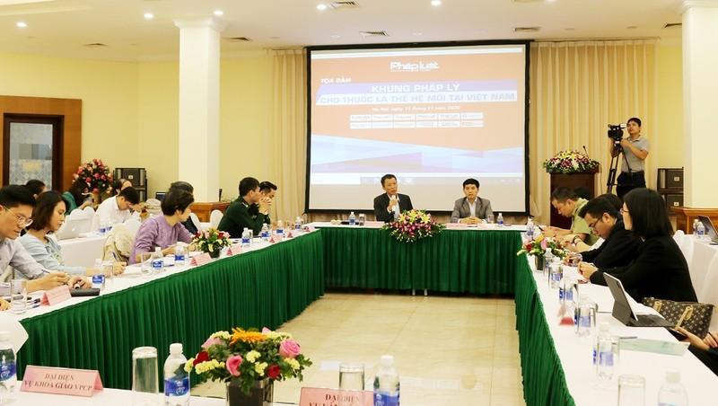 Buổi tọa đàm về Khung pháp lý cho thuốc lá thế hệ mới do Báo Pháp luật Việt Nam tổ chức, diễn ra sáng 11/11.