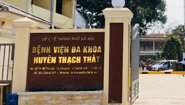 Bệnh viện Đa khoa huyện Thạch Thất nơi xảy ra sự việc. Ảnh: facebook bệnh viện