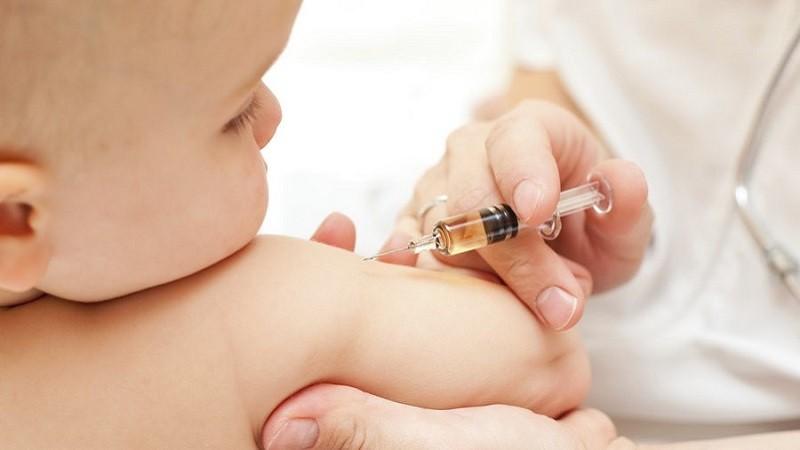 Bé 3 tháng tuổi bị sốc phản vệ sau tiêm kháng sinh