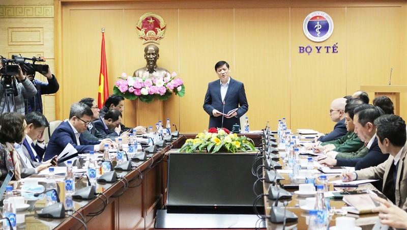 Bộ trưởng Bộ Y tế trong Hội nghị trực tuyến, phòng chống dịch Covid-19 sáng 23/12.