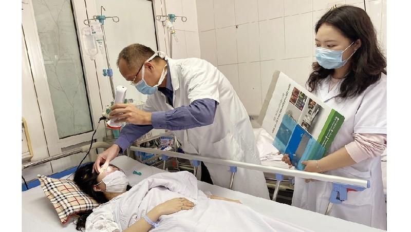 Cô gái 20 tuổi bị mù mắt khi đi nâng mũi bằng tiêm filler tại spa