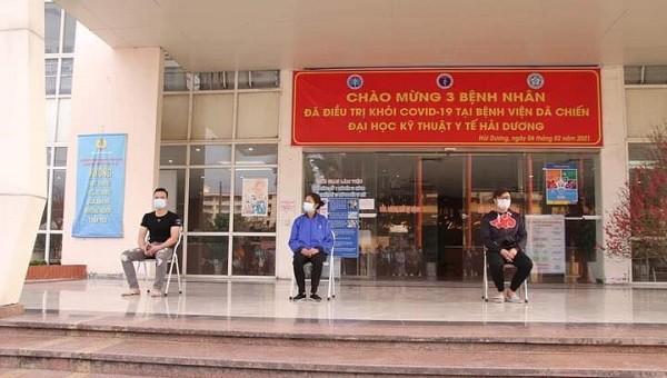 Ba bệnh nhân đầu tiên trong tâm dịch Hải Dương đã được xuất viện