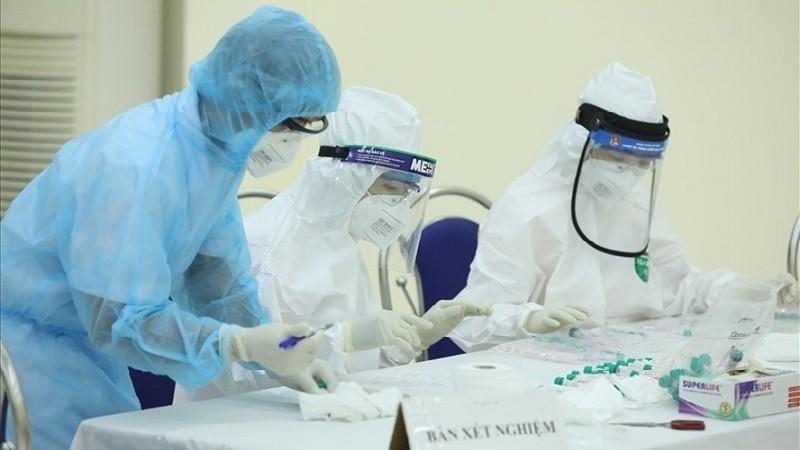 Tin đồn 20 người nhiễm COVID-19 tại sân bay là không chính xác