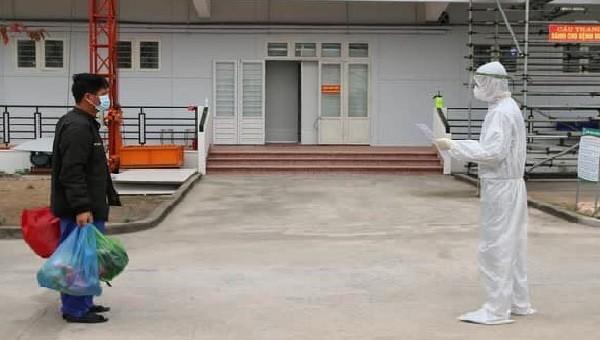 Bệnh viện dã chiến số 3 Hải Dương tiếp nhận bệnh nhân đầu tiên