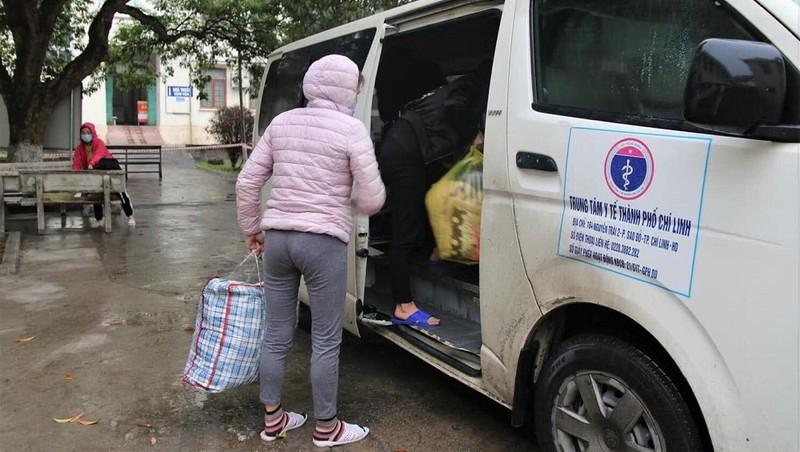 Những bệnh nhân cuối cùng tại Bệnh viện Dã chiến số 1. Ảnh: Kim Dung - Trung Sơn