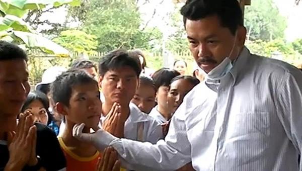 """Khẩn: Bộ Y tế yêu cầu Sở Y tế Bình Thuận báo cáo tình hình hành nghề của """"thần y"""" Võ Hoàng Yên"""