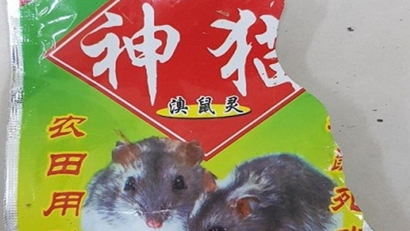 Hình ảnh thuốc diệt chuột bệnh nhân uống phải (ảnh: Mai Thanh)