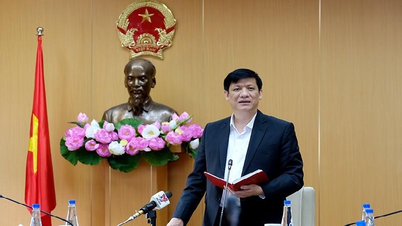 Bộ trưởng Bộ Y tế Nguyễn Thanh Long phát biểu tại hội nghị sáng 26/3. Ảnh: Trần Minh
