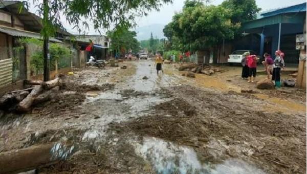 Văn Bàn tiếp tục mưa, nước lớn khiến công tác tìm kiếm cứu nạn gặp khó khăn