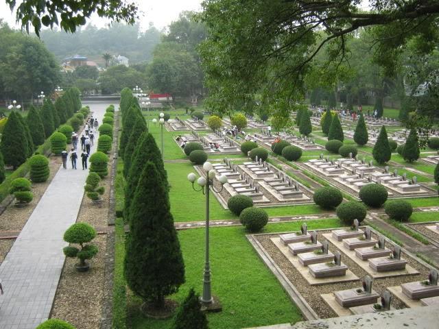 """""""Hô biến"""" hàng nghìn mét vuông đất nông nghiệp thành... nghĩa trang"""