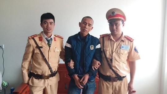 """Quảng Ninh: Bắt """"nóng"""" đối tượng có bề dày tiền án, vừa phạm tội cưỡng đoạt tài sản"""