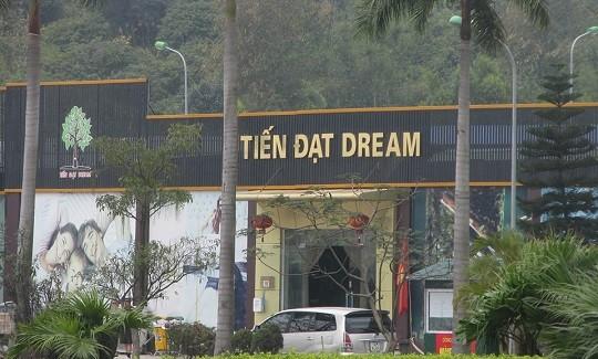 """Cửa hàng Tiến Đạt Dream, 1 trong 15 cửa hàng """"chỉ bán cho khách Trung Quốc"""""""