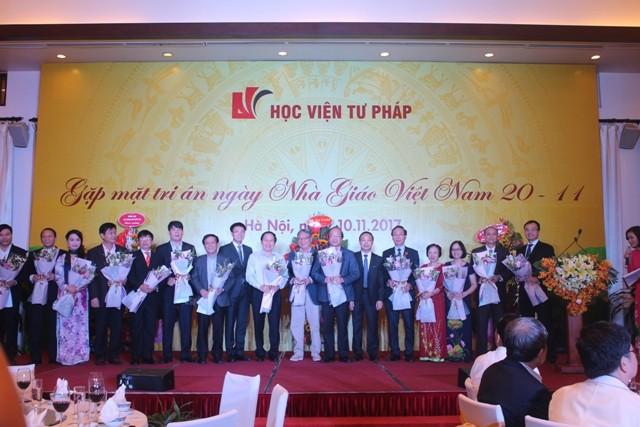 Ấm áp buổi gặp mặt tri ân Ngày Nhà giáo Việt Nam năm 2017