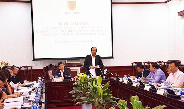 Thủ tướng khen ngợi Bộ Tư pháp và Bộ trưởng Lê Thành Long
