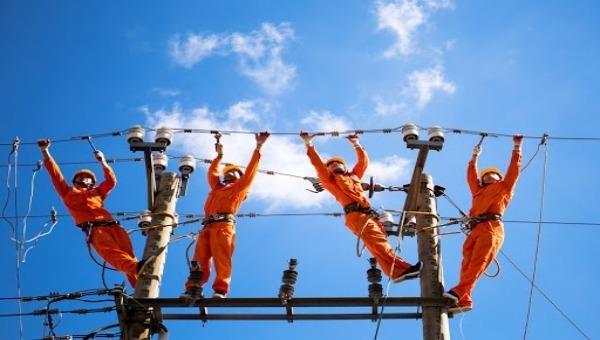 Bộ Công Thương yêu cầu chưa tăng giá điện đến hết quý II/2020 để ứng phó dịch Covid-19.