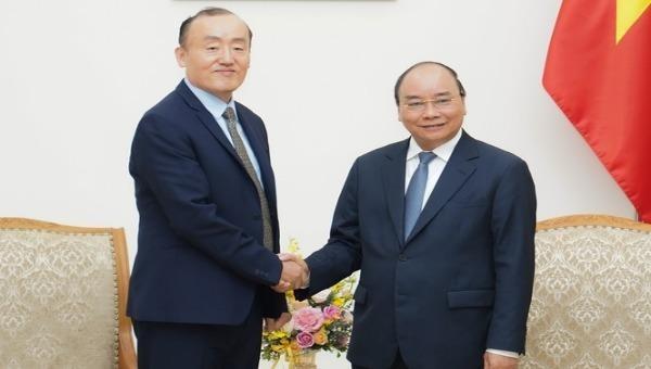 Thủ tướng Nguyễn Xuân Phúc tiếp Trưởng Đại diện WHO tại Việt Nam.