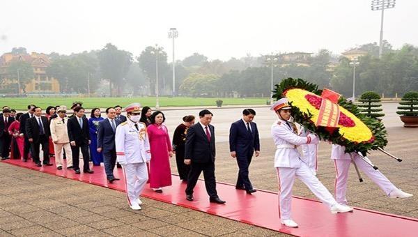 Nhiều hoạt động kỷ niệm 90 năm Ngày thành lập Đảng bộ TP Hà Nội