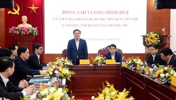 Bí thư Thành ủy Vương Đình Huệ hoan nghênh ý thức phòng chống dịch bệnh của huyện Chương Mỹ.