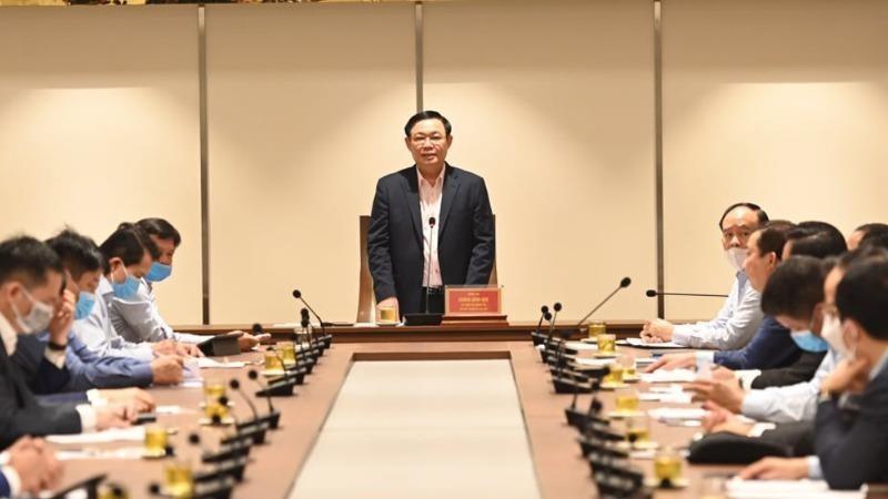 Bí thư Thành ủy Vương Đình Huệ phát biểu tại buổi làm việc.
