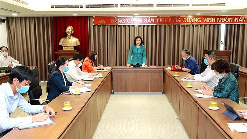 Phó Bí thư Thường trực Thành ủy Hà Nội phát biểu tại buổi giao ban.