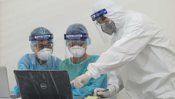 Lịch trình Bệnh nhân 237: Tiếp xúc với 101 trường hợp F1 và gần 200 F2