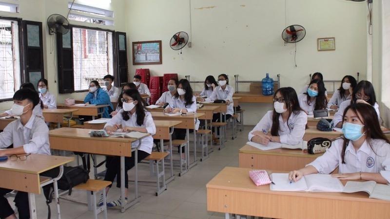 Giảm 1/3 số đầu điểm kiểm tra cho học sinh trung học