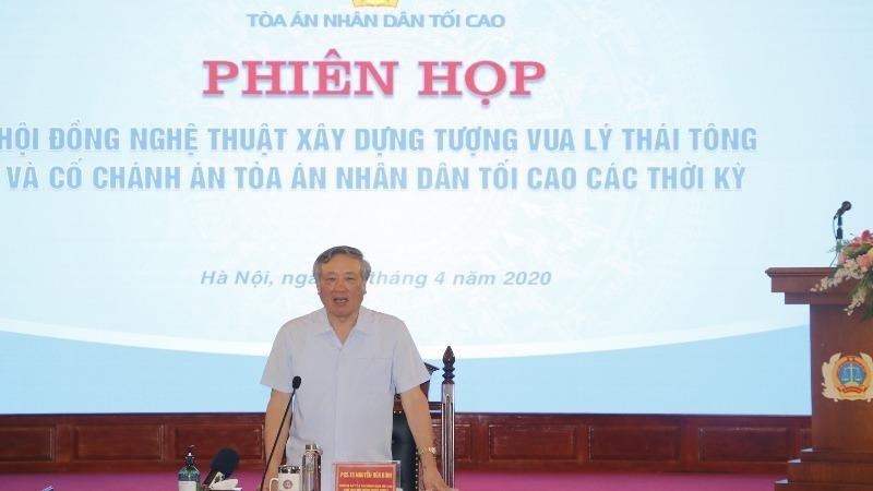 Chánh án TANDTC Nguyễn Hòa Bình phát biểu tại cuộc họp.