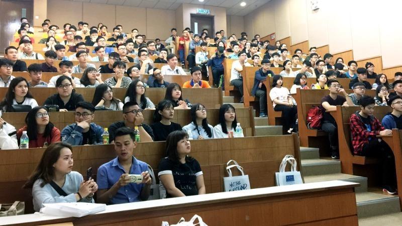 """""""Ràng buộc"""" nào khiến các trường đại học thay đổi phương án tuyển sinh?"""