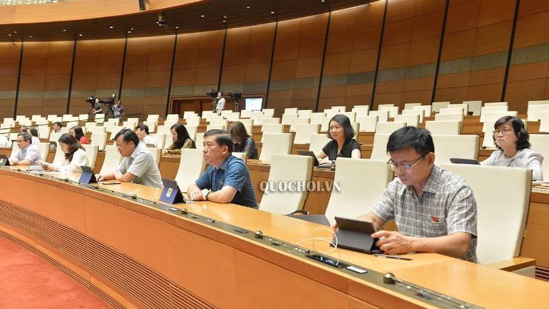 Các đại biểu dự Kỳ họp thứ 9 Quốc hội khóa XIV. (Ảnh: Quochoi.vn)