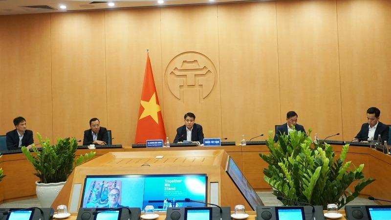 Chủ tịch UBND TP Nguyễn Đức Chung phát biểu tại phiên thảo luận mở.