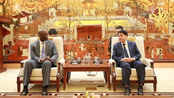 Chủ tịch UBND Hà Nội Nguyễn Đức Chung tiếp Giám đốc WB tại Việt Nam.