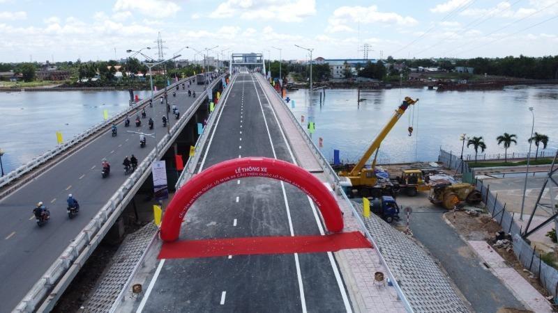 Cầu Tân An vừa được thông xe.