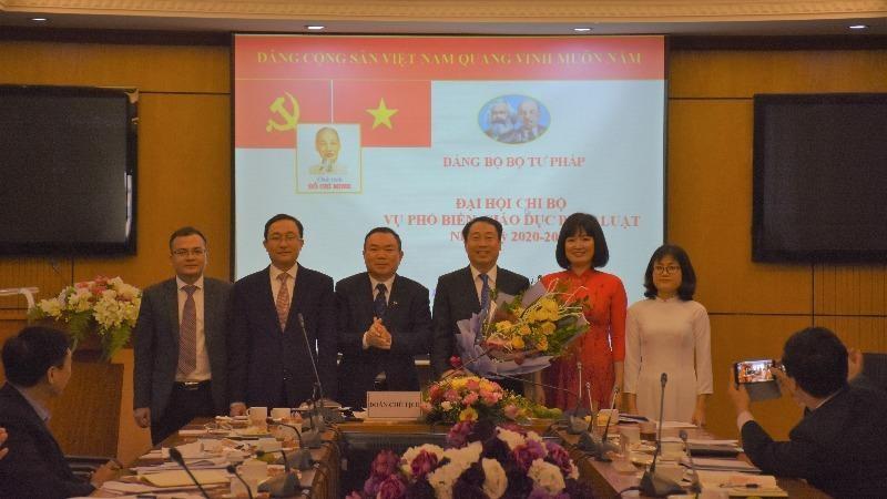Chi ủy Vụ Phổ biến, giáo dục pháp luật nhiệm kỳ 2020 - 2022.